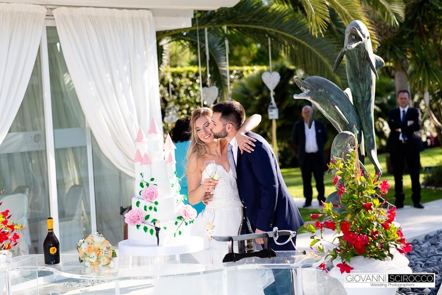 taglio della torta wedding day
