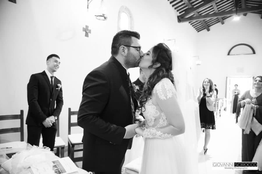 primo bacio degli sposi