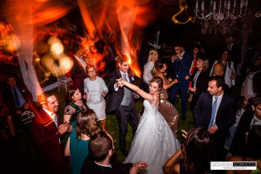 balli degli sposi con amici